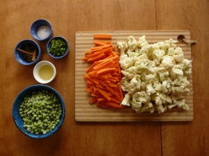 cauliflower-carrot curry ingredients